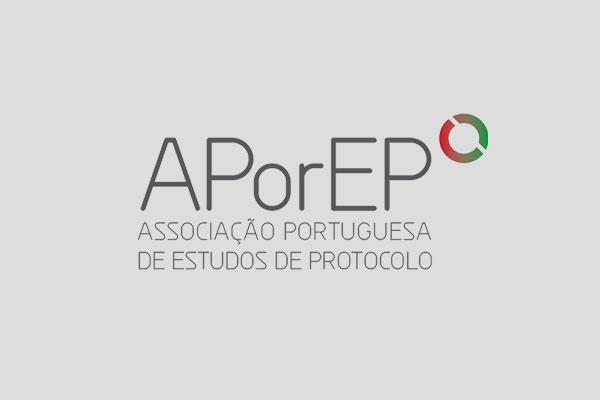O CASO DO TAPETE/BANDEIRA NACIONAL